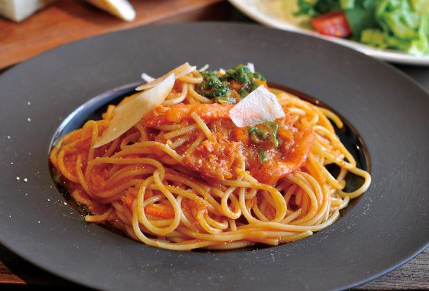 紅ズワイ蟹と地元野菜のトマトソースパスタランチ