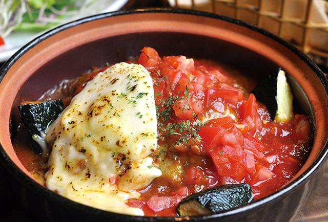 完熟トマトの カレーチーズハンバーグ