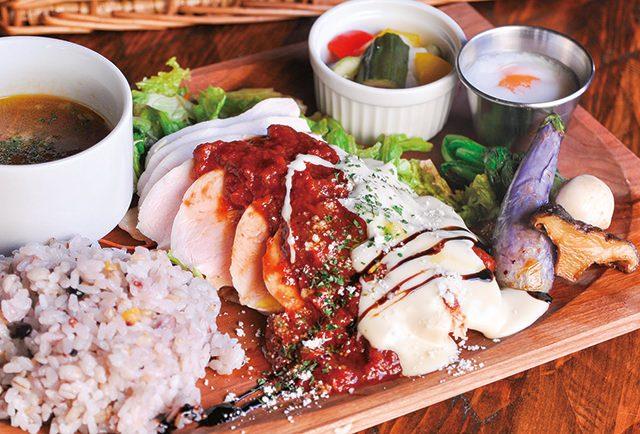 大山鶏と完熟トマトのとろ〜りチーズプレート