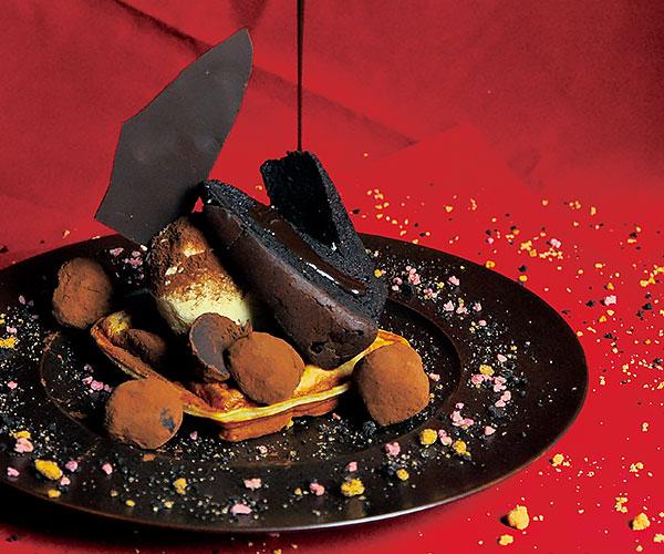 焼きガートーショコラと生チョコトリュフのモッフル~チョコドロップ仕立て~