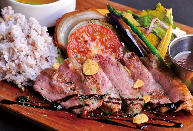 イタリア産ドルチェポルコと地元野菜のグリルプレート
